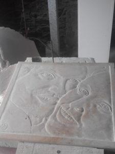bas-relief sur marbre