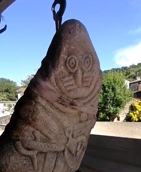 Statue menhir du Tarn par l'artiste yannick robert.